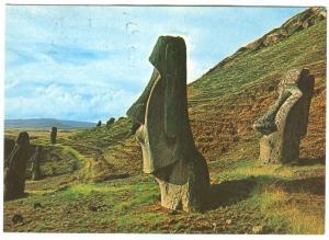 Chile, Gigantescos Moai, en las Laderas del Volcan Rano-Raraku, 1982 used