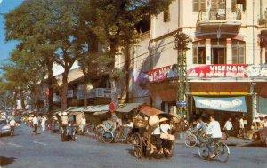 Morning at the Market VIETNAM Street Scene SAIGON c1960s Vintage Postcard