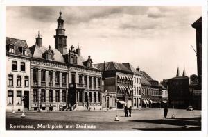 CPA Roermond Marktplein met Stadhuis NETHERLANDS (728441)