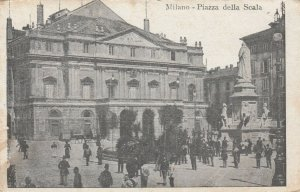 MILANO , Italy, 00-10s ; Piazza della Scala