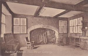 Interior, The West Kitchen, Plas Mawr, CONWAY, Wales, UK, 1900-1910s