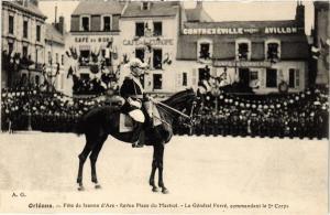 CPA MILITAIRE Orléans-Féte de Jeanne d'Arc, Revue Place du Martroi (316567)