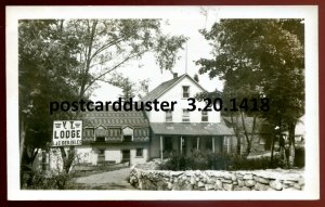 1418 - LAC DES ISLES Quebec 1950s V.T. Lodge. Real Photo Postcard