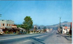 GARBERVILLE, California  CA   STREET SCENE Flying A, 1950s Cars Hwy 101 Postcard