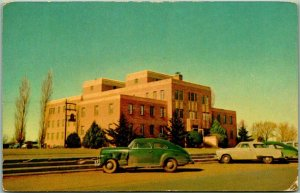 Clovis, New Mexico Postcard CLOVIS MEMORIAL HOSPITAL / Early 1950s Cars - Unused