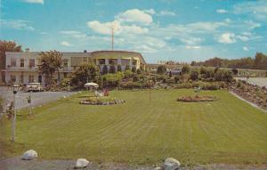 Flower Garden, Lawn, Long Beach Motor Court, Brockville, Ontario, Canada, 40-...