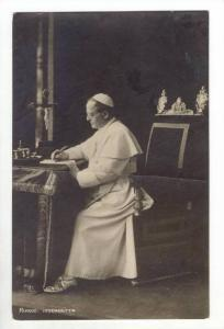 RP  Pope at his desk, PU-1928