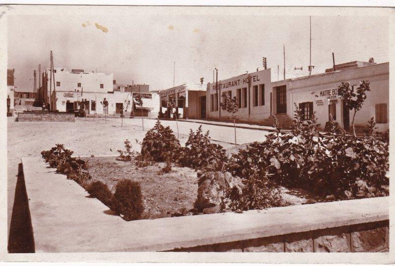 RP: MUDELT , Morocco , 20-40s ; Place des Mines