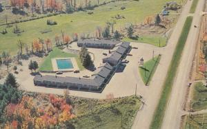 QUEBEC, Canada, PU-1987; Motel Alouette, Aerial View, Swimming Pool