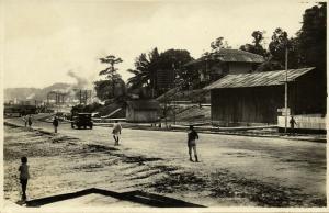 indonesia, BORNEO BALIKPAPAN, Main Road at Pier I (1930s) RPPC Postcard