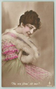 Colorized RPPC 5 German Lovely Lady~Would I Kiss Him?~Ich Kenne Die Männer! 1924