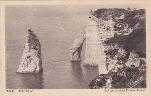 France Etretat L'Aiguille et la Falaise d'aval