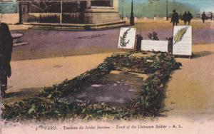 PARIS, France, 1900-1910's; Tomb Of The Unknown Soldier