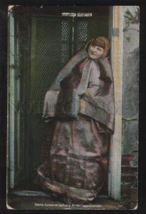 100384 TURKEY CONSTANTINOPLE woman in native dress Vintage PC