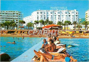 Postcard Modern Riviera Beach Cannes Croisette and the Hotel Martinez