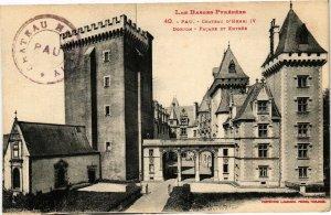CPA PAU - Le Chateau d'Henri IV Donjon - Facade et Entrée (126678)