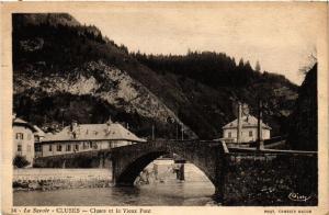 CPA La Savoie - CLUSES - CLUSES et le Vieux Pont (438304)