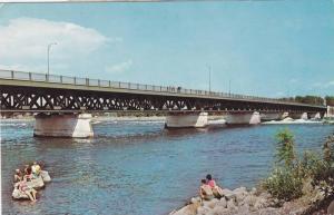 Reliant Les Comtes De Beauharnois Et Soula, Camping A Proximite, Pont Mgr Lan...
