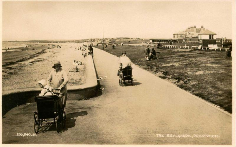 UK - England, Prestwick. The Esplanade    *RPPC