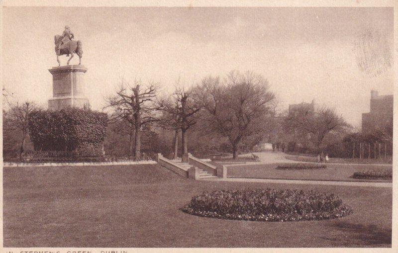 DUBLIN, Ireland, 1900-1910s; In Stephen's Green