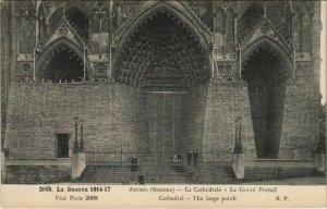 CPA travaux de protection AMIENS La Cathédrale (807434)