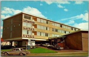 Vancouver BC Canada Postcard KINGSWAY MOTOR HOTEL Motel Roadside c1960s Unused