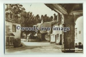 tp8918 - Wilts - Archway from the Market Cross, in Castle Combe - Postcard