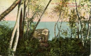 NH - Lake Winnipesaukee. The Old Man of Eagle Island