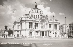 RP: Palacio De Bellas Artes , Mexico City , 30-40s