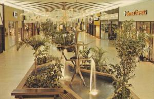 Shopping Centre , TROIS-RIVIERES , Quebec  , Canada , 50-60s