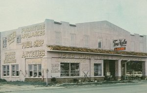 FORT MYERS , Florida , 1950-60s ; Purple Barn Pawnbrokers