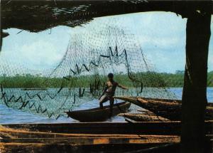 Republique de Cote d'Ivoire Abidjan Retour de la Peche Fisherman