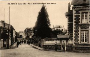 CPA PORNIC Place de la Gare et Rue de la Source (610683)