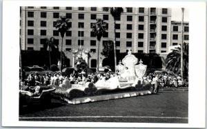 Vintage Florida Parade RPPC Postcard SARASOTA Chamber of Commerce Queen's Float