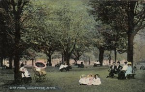 LUDINGTON , Michigan , PU-1912; City Park