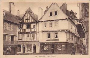 Place Henri IV, Vannes (Morbihan), France, 1910-1920s