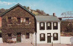 Missouri Hannibal The Museum And Mark Twain Boyhood Home At Hannibal