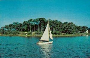 PEMBROKE , Ontario, Canada, 1963 ; Sailing