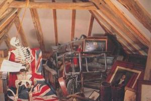 Sussex King Harold Killed In Eye Bow Arrow & Skeleton Waxwork Exhibit Postcard