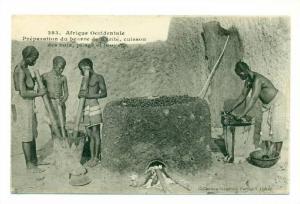Afrique Occidentale , Preparation du beurre de Karite,cuisson des noix, plage...