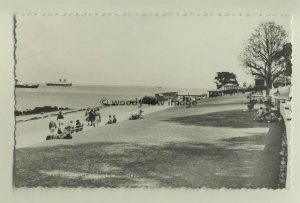 iw0030 - Princes Green , Cowes , Isle of Wight - postcard by Dean