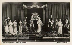 Madame Tussaud's , LONDON , England , 1930s ; Wax Museum , The Royal Group