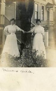 IL - Oak Park. Minna and Marie - RPPC