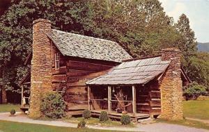 Great Smoky Mts Natl Park Tennessee~Pioneer Farmstead~Log House~1950s Postcard