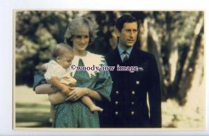 r2477 - Prince Charles & Diana with Baby William in Australia c1983 - postcard