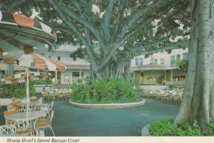 Moana hotel , Banyan Court , Hawaii , 50-70s