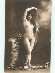 c1910 Risque NUDE ITALIAN GIRL POSING AT STUDIO IN ITALY AB7263