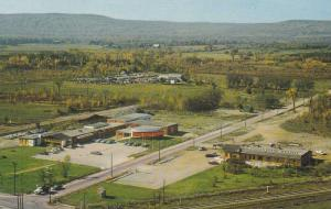 The Blue Mountain Gateway Corner , COLLINGWOOD , Ontario , Canada , 40-60s