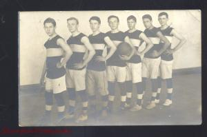 RPPC PRAIRIE DU CHIEN WISCONSIN BASKETBALL TEAM PLAYERS REAL PHOTO POSTCARD