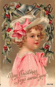 AH119 Girl pink dress gold background International art Christmas postcard